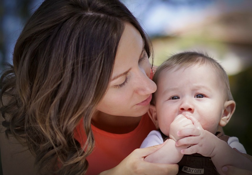 apprendre à être mère ellecroit.com