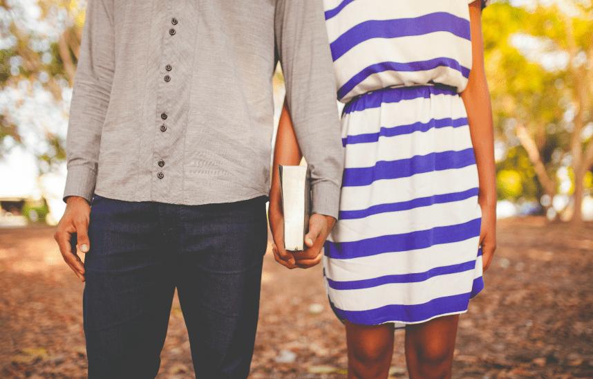 routine spirituelle couple prier Bible ellecroit.com