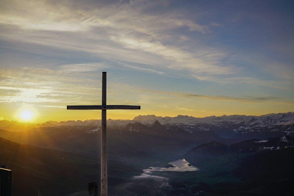 croix salut liberté Jésus ellecroit.com